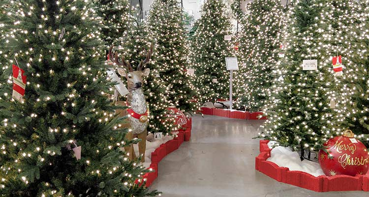 Unparalleled quality, unrivaled beauty, when it comes to artificial Christmas trees, there's nothing like a Neuman Tree