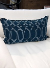 Aldik Home's Luxurious Outdoor Throw Pillows - Connection