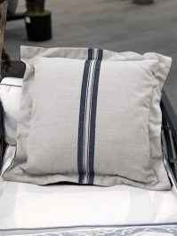 Aldik Home's Luxurious Outdoor Throw Pillows - Vintage Stripe