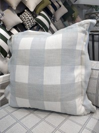 Aldik Home's Luxurious Outdoor Throw Pillows - Plaid