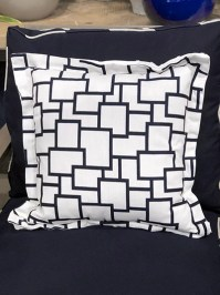 Aldik Home's Luxurious Outdoor Throw Pillows - Magnitude