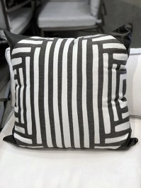 Aldik Home's Luxurious Outdoor Throw Pillows - Kubu